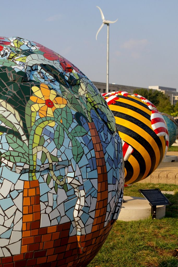 Colourful globes | da sulkyblue