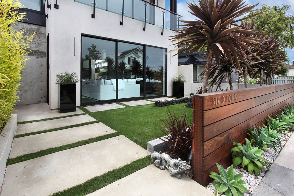 Mid Century Modern Landscape Design Complete With Grey Wall Stone