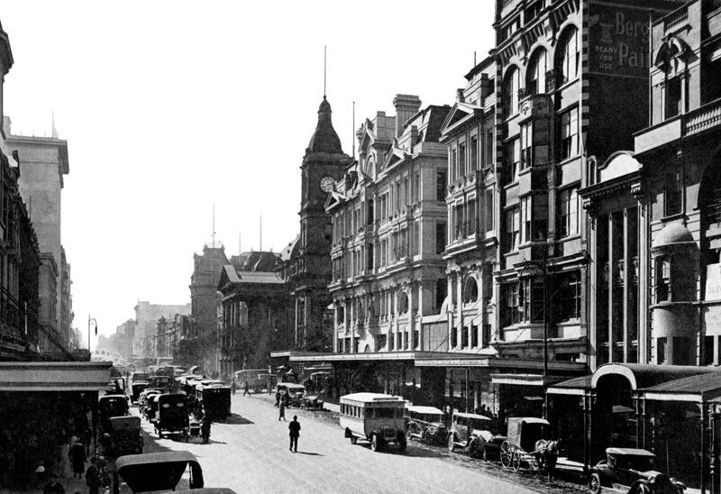 Swanston St Melbourne In The 1920s These Are All The Buildings That We Lost For The Awful City Square Which Everyone Hated Fr Victoria Building Melbourne City