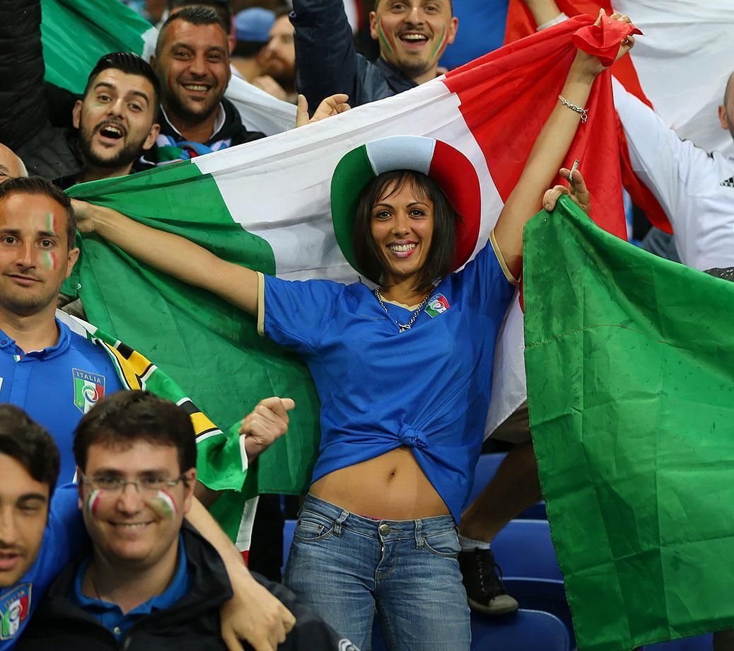 Female Fans of Euro 2016 (With images) Euro 2016, Euro