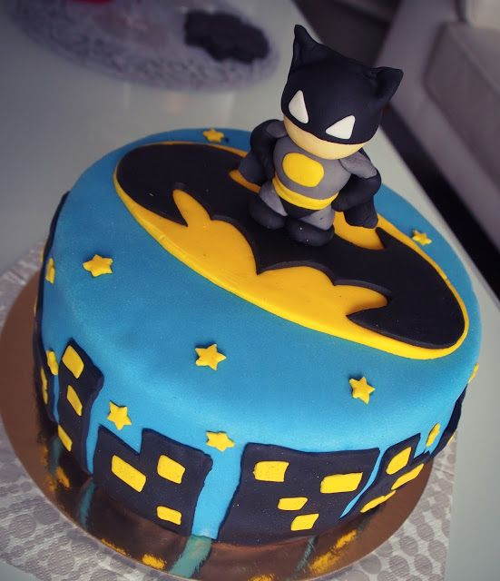 Super cool batman cake for a kids birthday party / Batman kakku listen synttärijuhliin! (G)
