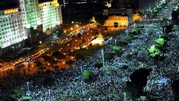 Copa Mundial de 2014 debe realizarse en Brasil a pesar de las protestas - FIFA - NoticiasHoy.cc