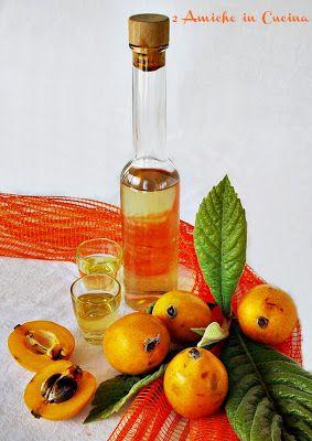 Buongiorno, il Nespolino è un liquore fatto con i noccioli delle nespole, io adoro questo frutto, che però riesco a trovare solo per un brevissimo periodo, quindi cerco di sfruttarlo al meglio, utilizzando anche i noccioli. Il sapore è molto simile a quello all'amaretto, ottimo ghiacciato, …