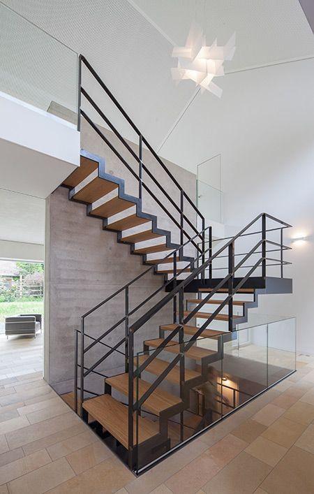 dualismus favoriten treppe treppe haus und offene treppe. Black Bedroom Furniture Sets. Home Design Ideas