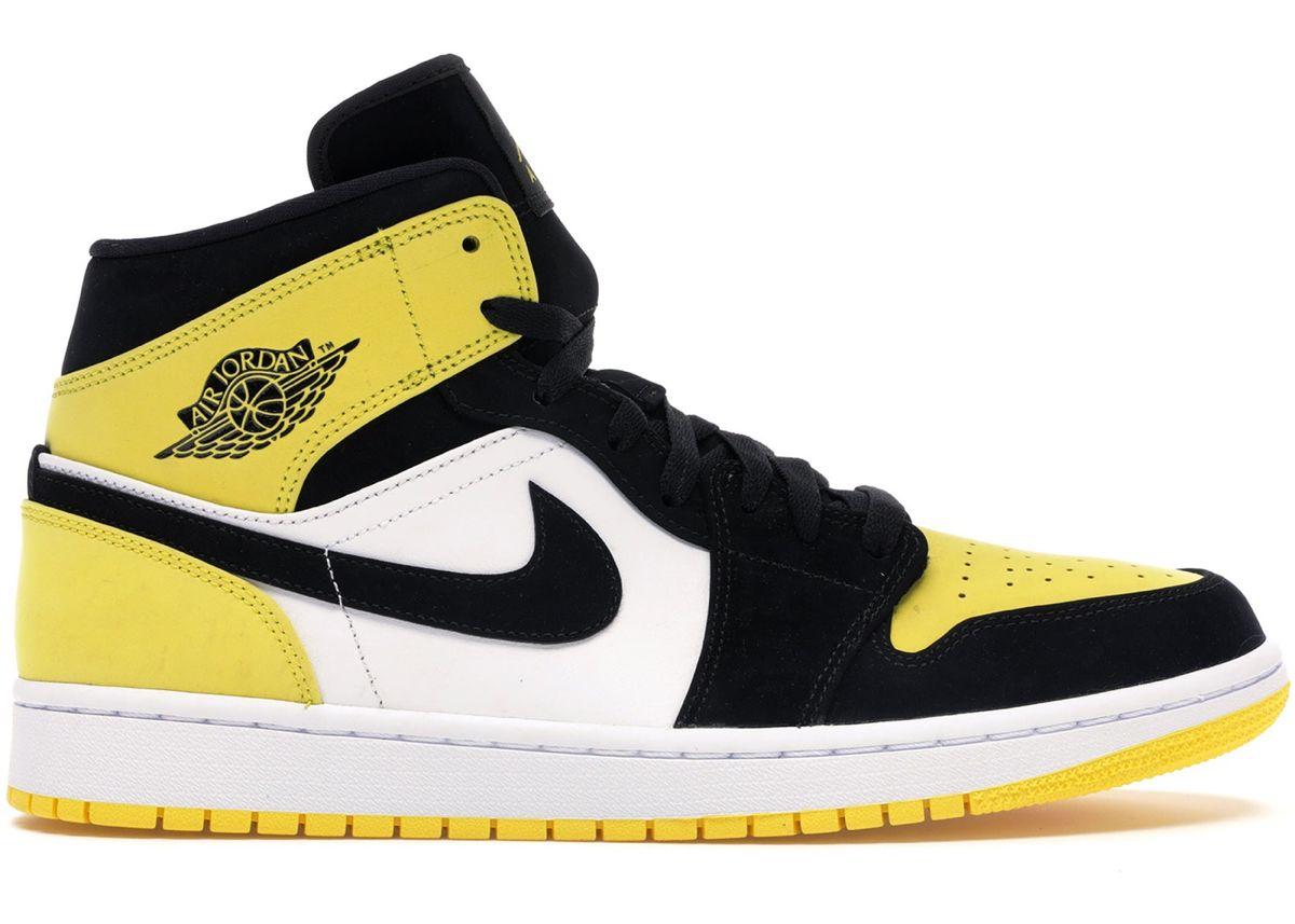 Pin By Mirella De On Looks For This Show Air Jordans Jordan Shoes Girls Nike Air Shoes