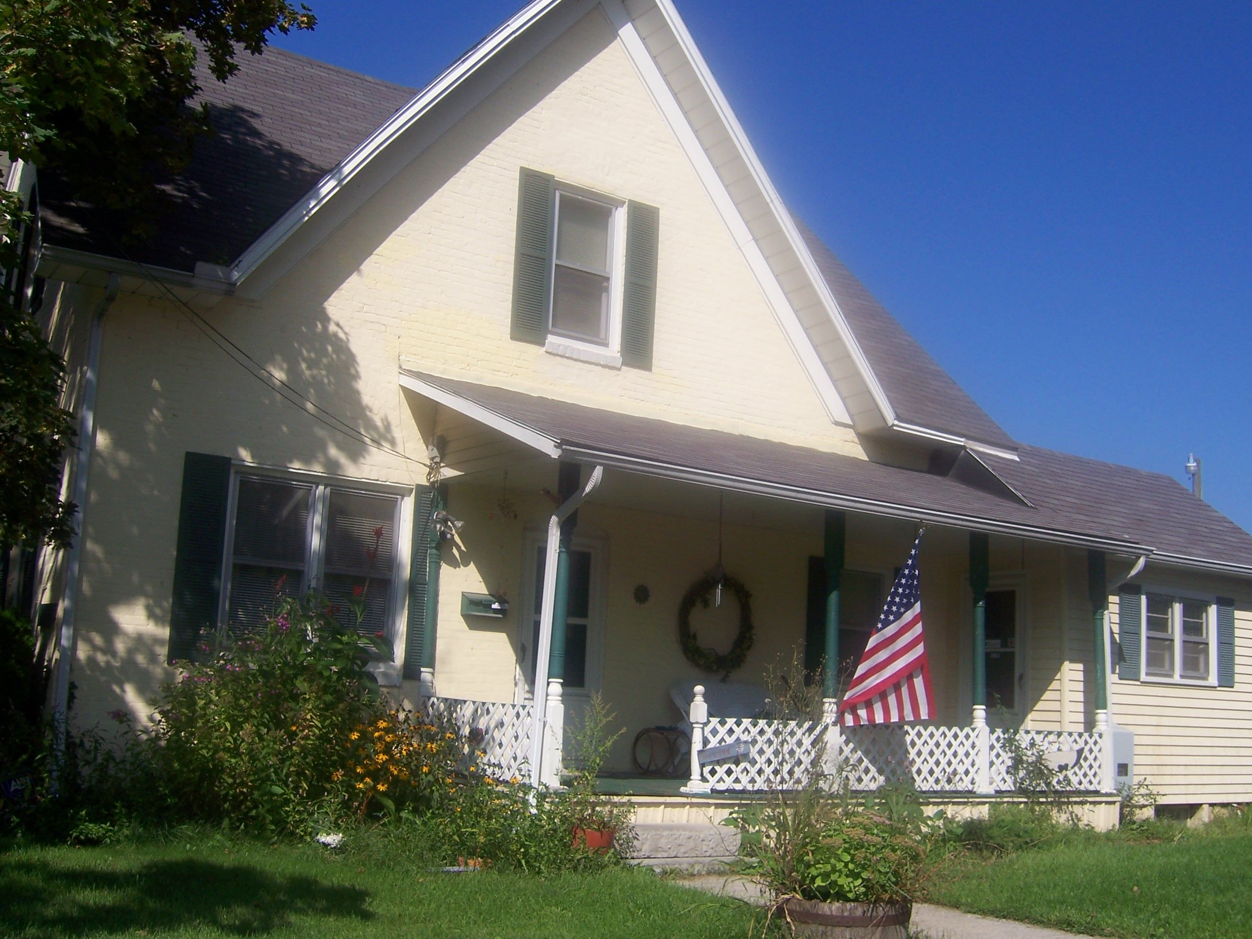 My Grandparents Old House Kokomo In Spent Many Summers There In The 40 S 50 S With Images Old House Outdoor Decor Home Decor