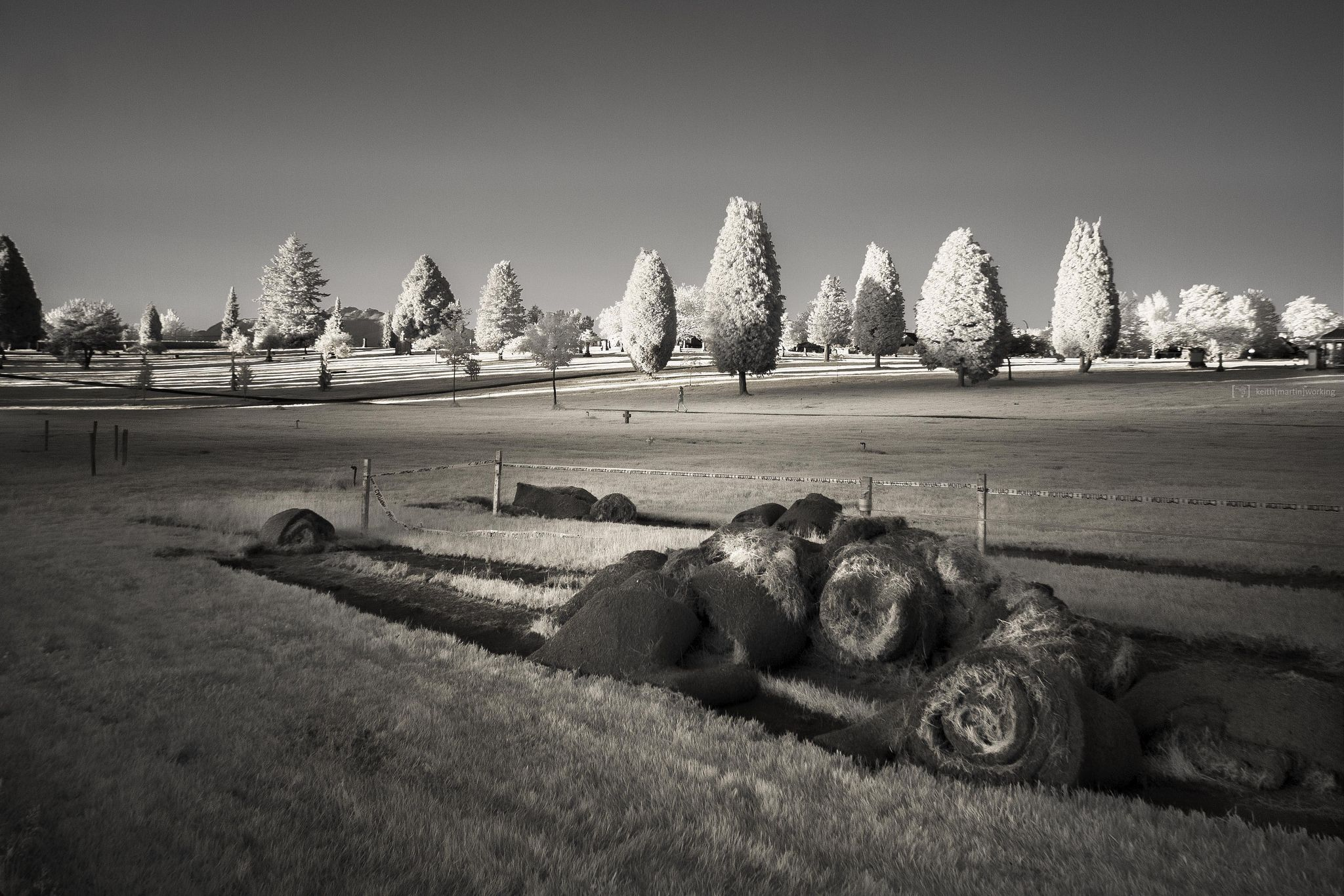 https://flic.kr/p/JCo5kZ   evening roll   Olympus Pen E-PM1 converted with 590nm infrared filter Panasonic Lumix G 14mm f2.5 Panorama with 4 vertical frames