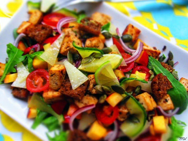 Kaakao kermavaahdolla: ♥ Tofu-salaatti nektariinilla ja kesäkurpitsalla