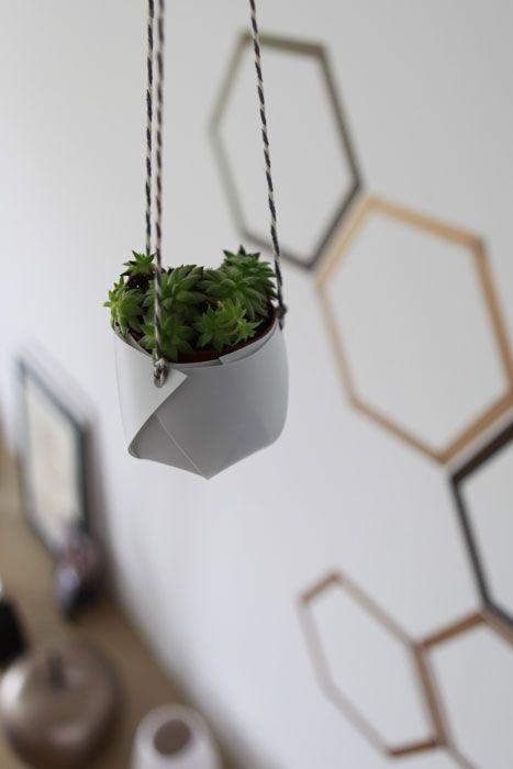 un cache pot suspendu en origami pour participer au 8 me challenge de projet diy qui a pour. Black Bedroom Furniture Sets. Home Design Ideas
