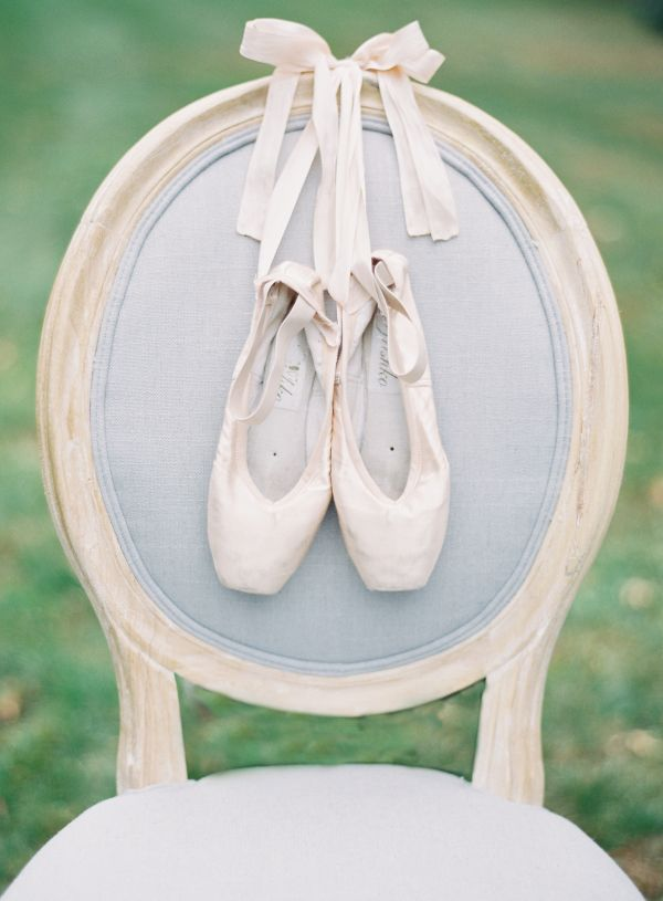 15 Romantic + Sophisticated Details for a Ballet-Inspired Wedding - Style Me Pretty