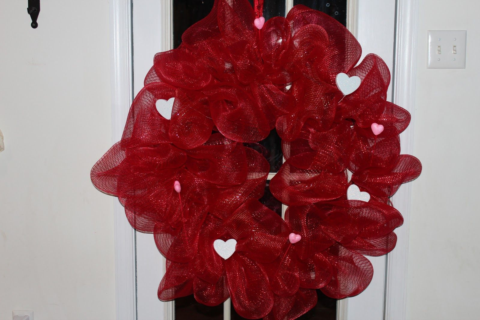 mesh wreaths | Chic Crafty Chick: Mesh Ribbon Wreath