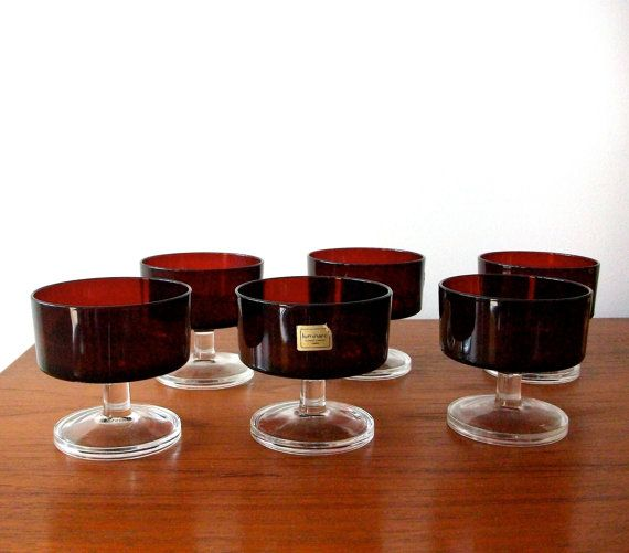6 small bowls from Luminarc, France in red (total of 12 available, lot size relates to a half of a dozen = 6 pieces).  Good condition without