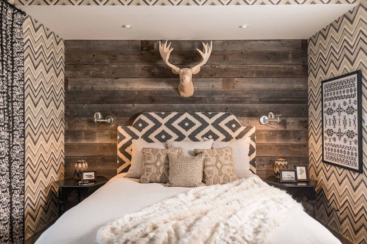 22 Modern Rustic Bedroom Decorating Ideas is part of bedroom Decoration Cheap - These modern ideas will help you create a rustic inspired bedroom that radiates casual warmth without feeling cluttered or cookiecutter