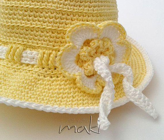 Modello cappello estivo fiore crochet da 18 mesi di MakiCrochet