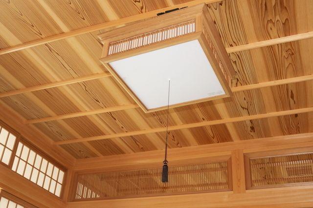 天井材に木 板を使うときの張り替え費用と注意点 リフォーム費用