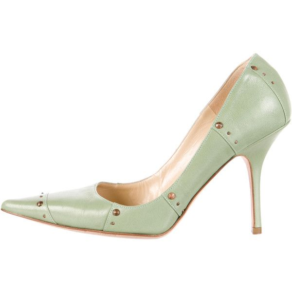 Jimmy Choo Studded Leather Pumps (690 MYR) ❤ liked on Polyvore featuring shoes, pumps, green, studded pointy toe pumps, studded shoes, pointy-toe pumps, studded pointed toe pumps and green shoes