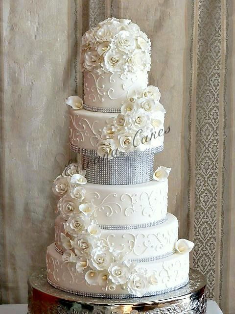 5 tier wedding cake with cascading flowers cakes cascading flowers on sugar flowers 10476