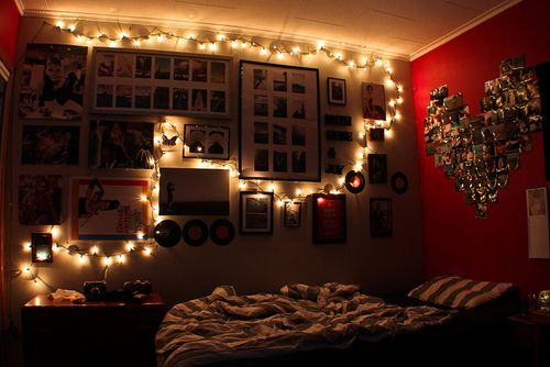 more lights ! I gotta decide on frames to fill my walls too, ahh ...