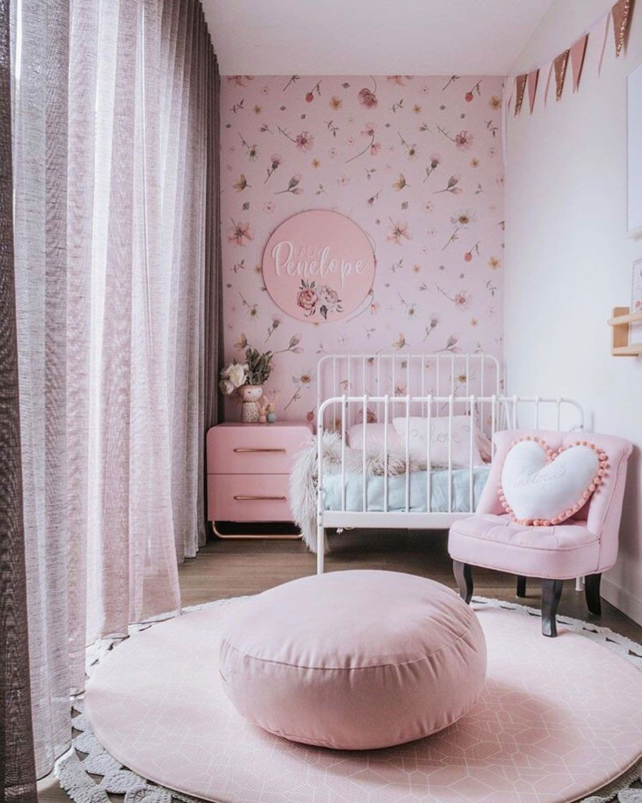 THE GENDER SPECIFIC PERCEPTION OF BLUE AND PINK IN KIDS