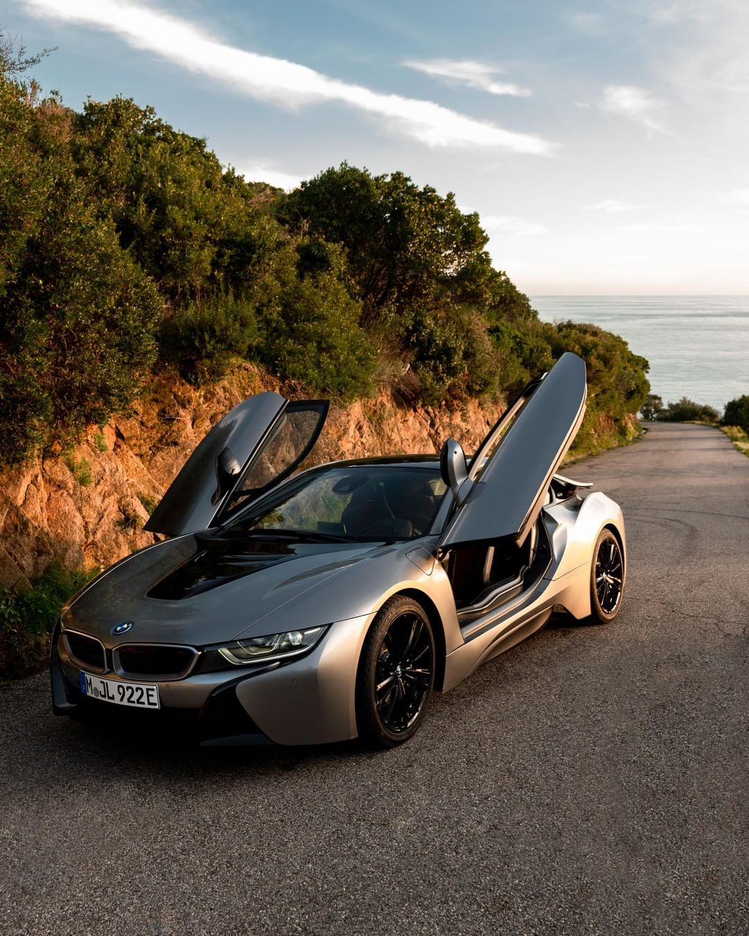 All Hustle No Bustle And A Near Silent Cruise The Bmw I8 Coupe