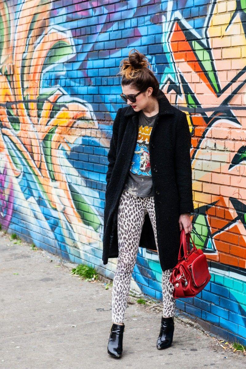 Moda de Nova Iorque e Blog Estilo Pessoal: casaco de lã, camiseta vintage, calças de leopardo impressão, botas de verniz