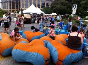 Bubbleware Is Inflatable Urban Furniture Popping Up In Public Spaces And Becoming Host To Surprising Social Urban Interior Design Public Space Urban Interiors