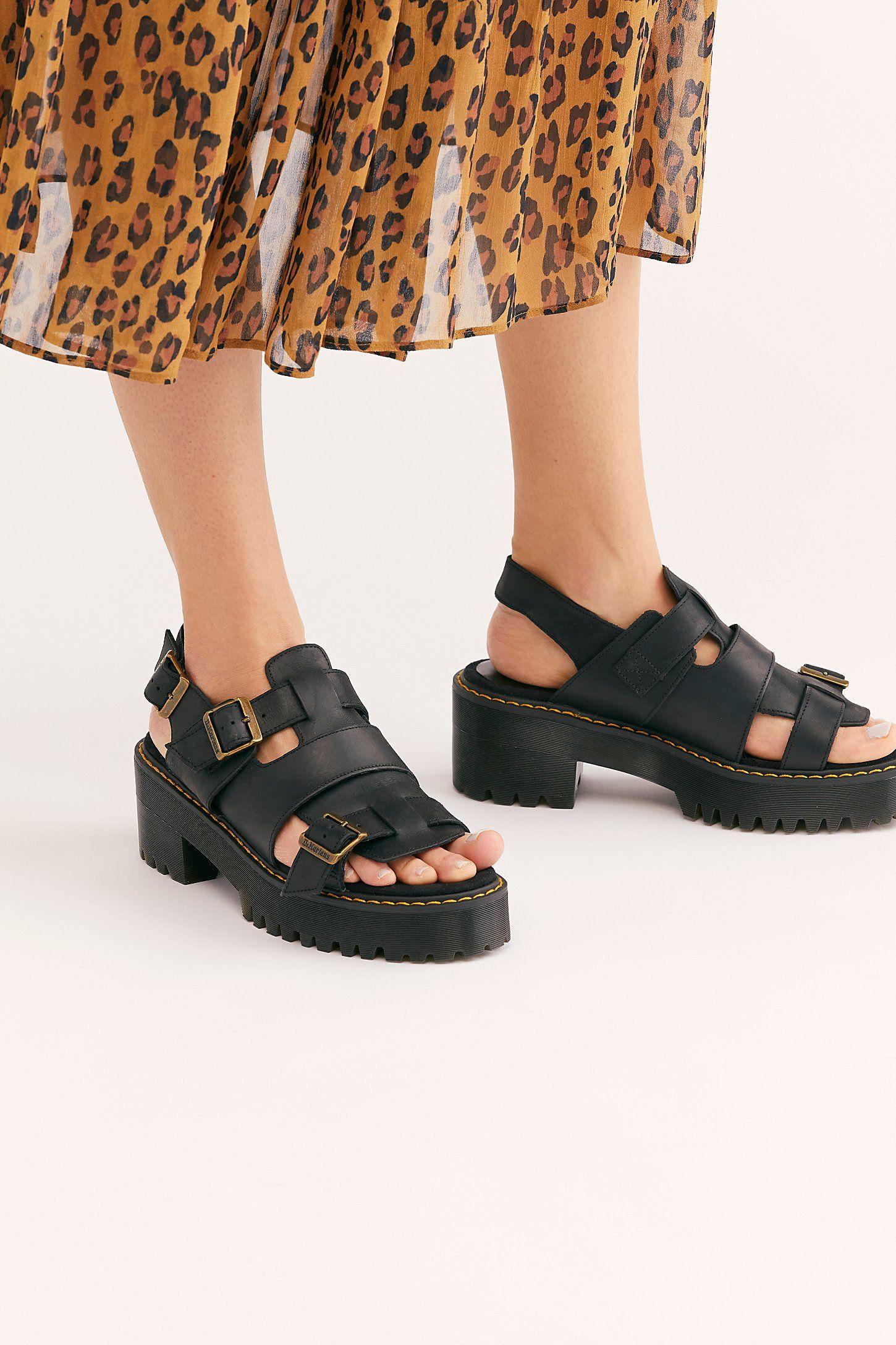 25d01028 Dr. Martens Ariel Platform in 2019   My Style   Dr martens sandals ...
