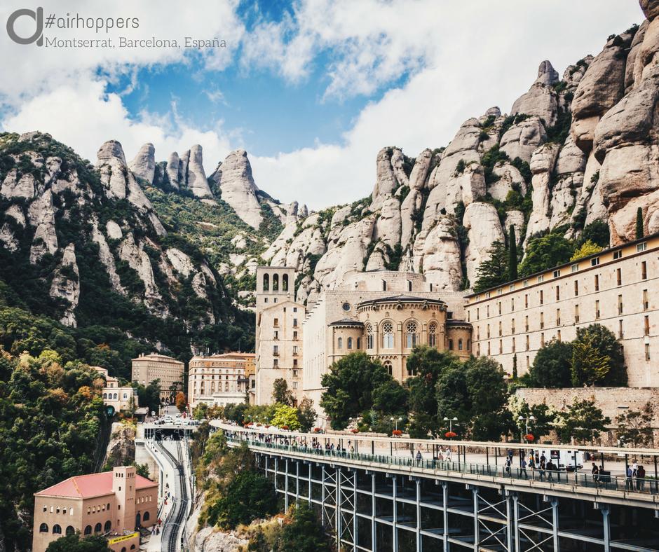 A veces no hace falta ir muy lejos para encontrar sitios increíbles. Monasterio de Monstserrat, Barcelona, España. #viajar #viaje #viajes #viajeros #postureo #risa #humor #quotes #quote #instagram #verano #vacaciones #Hamburgo #Alemania #paisaje #edificios #monasterio #montserrat #barcelona #españa #cataluña #spain