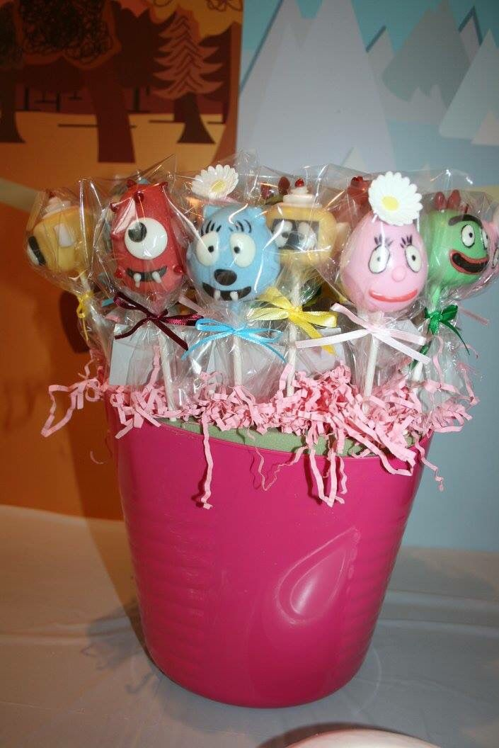 Cake pops by Yummy Pops