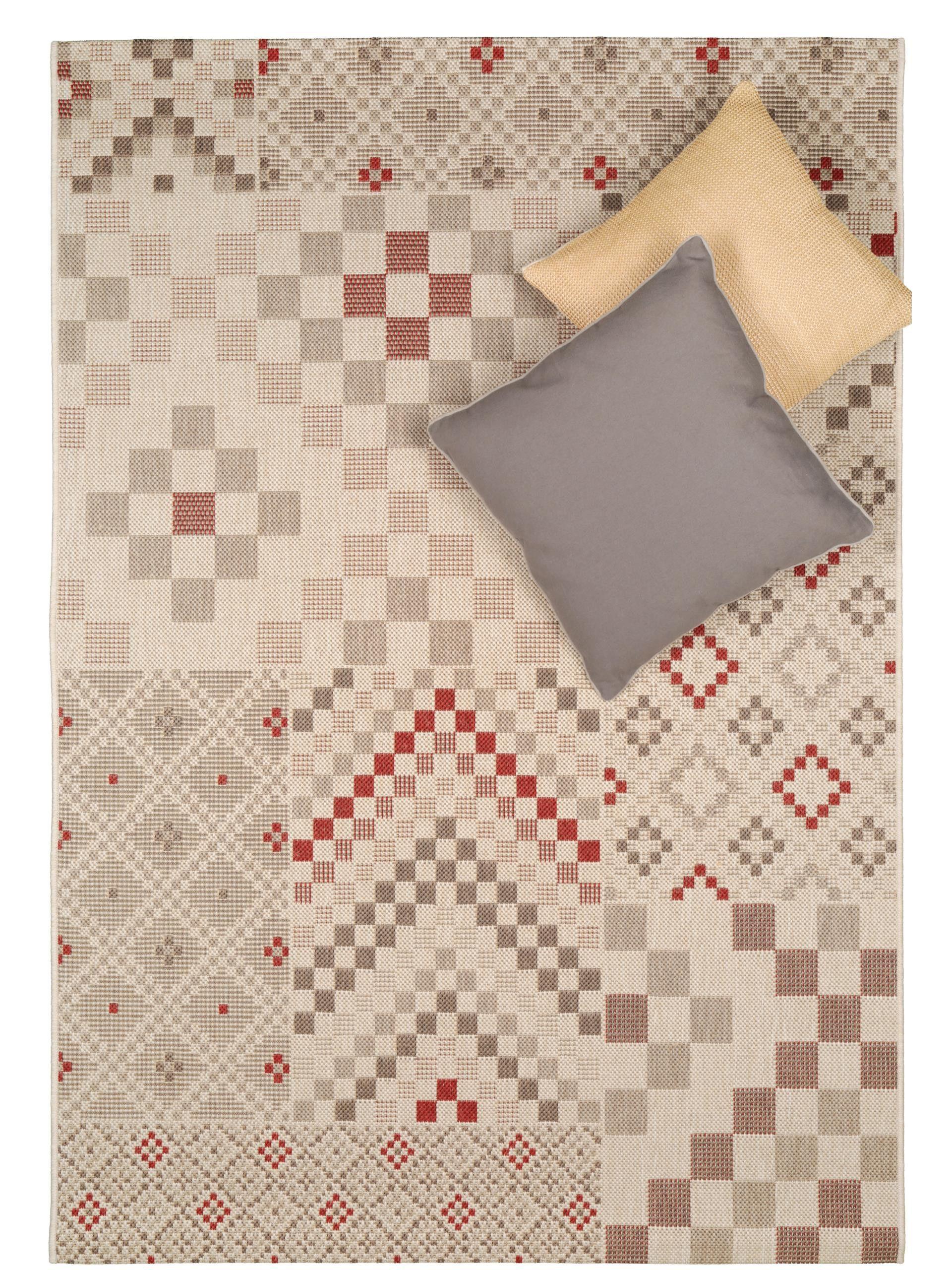 benuta teppich geometrie ist das perfekte garten accessoire sein geometrisches muster fgt sich zu einem coolen pixel patchwork zusammen und verschnert - Teppich Geometrisches Muster