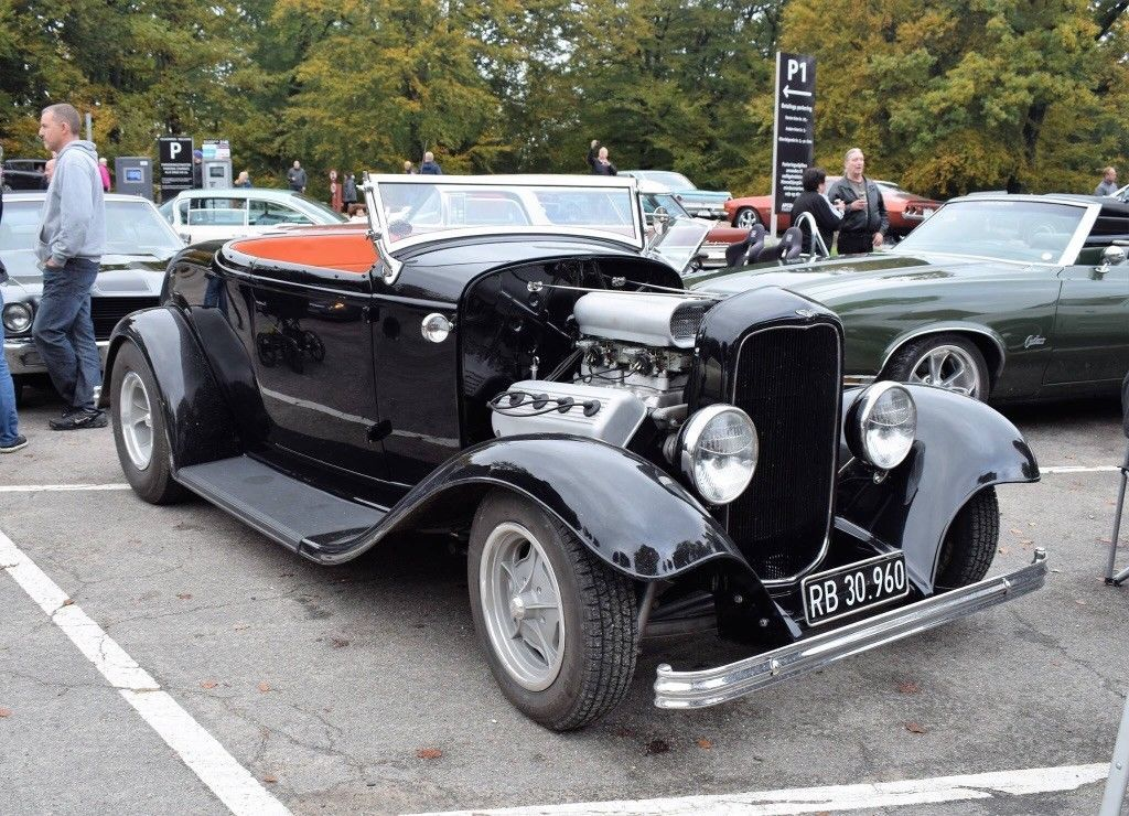Awesome Awesome 1932 Ford Roadster Ford roadster, hot rod, hemi ...