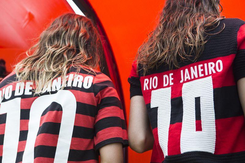 a primeira camisa feminina oficial do flamengo em parceria com a adidas  Originals chegou nas lojas e no e-FARM e é nossa! gueenta coração!  3 19d838701b2d9