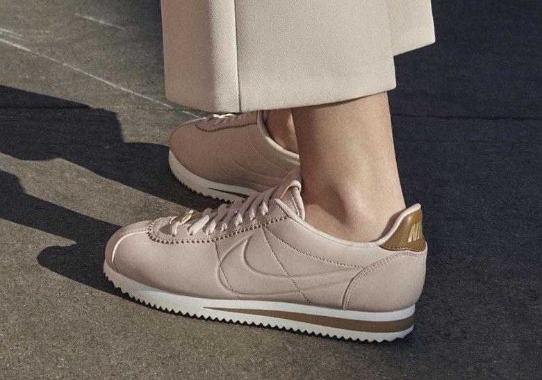 telegrama vaquero De este modo  Maria Sharapova Nike Cortez Release Info | Nike cortez, Nike, Sneakers  fashion