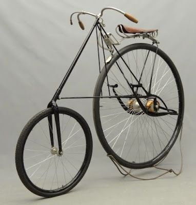 http://thevintagent.blogspot.dk/2013/04/bicycles-and-pierce-4.html