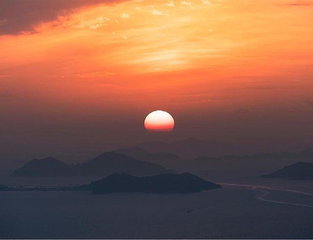 دائما كن لطيفا مع الكل لأن هنالك لحظات وداع ليس لها وقت م حدد ولن يسعفك الوقت للتبرير أو الإعتذار حكم صور Celestial Outdoor Sunset