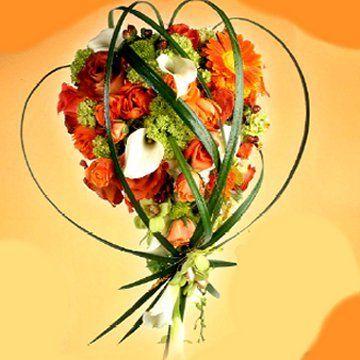 A unique wedding bouquet for the fall bride!  #FavorsUnlimitedFallinLove
