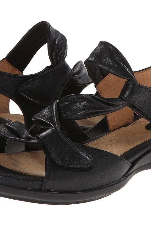 clarks artisan women's lucena flat sandals