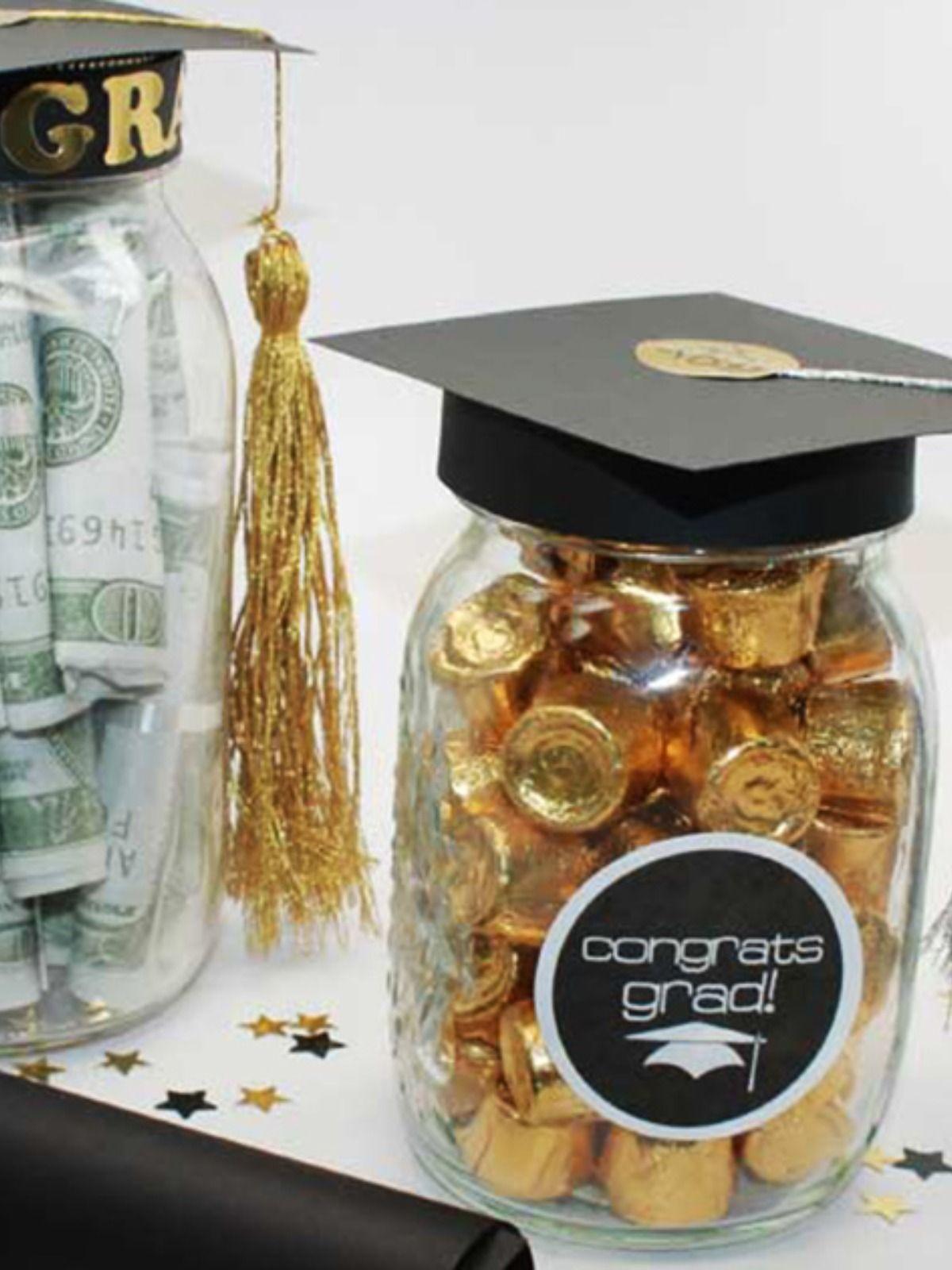 Diy Graduation Mason Jar Party Gifts Favors Free Printable Onlinelabels Com Graduation Mason Jars Graduation Diy Personalized Graduation Gifts