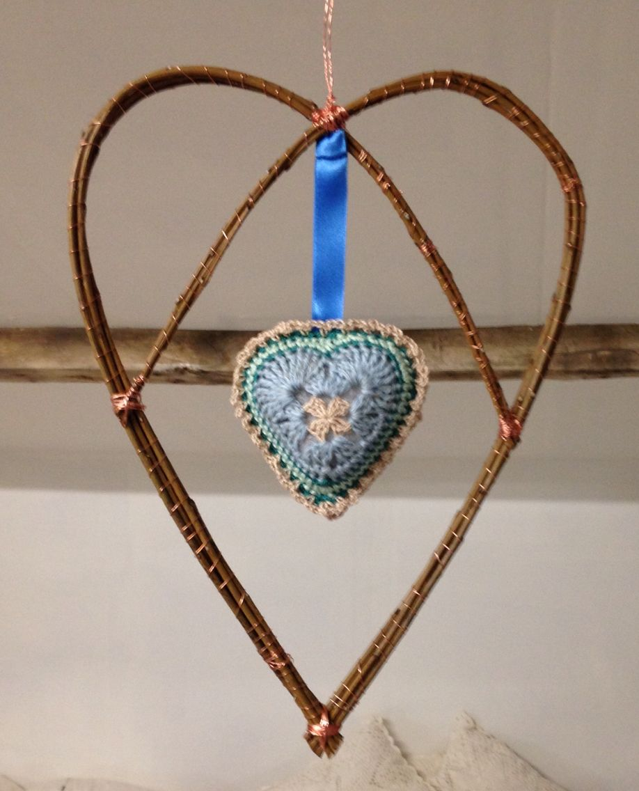 Copper wire & willow twirly heart..