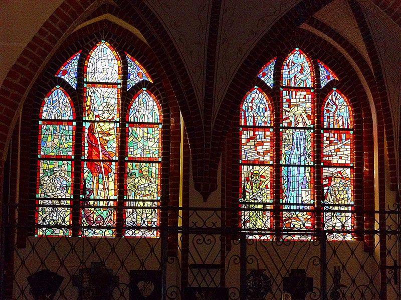 Kirchenfenster / Bunte Fenster