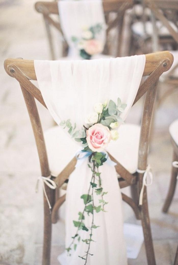 Rose And Eucalyptus Chic Wedding Chair Decoration Ideas Hochzeit Stuhle Dekoration Hochzeit Kirchenschmuck Hochzeit