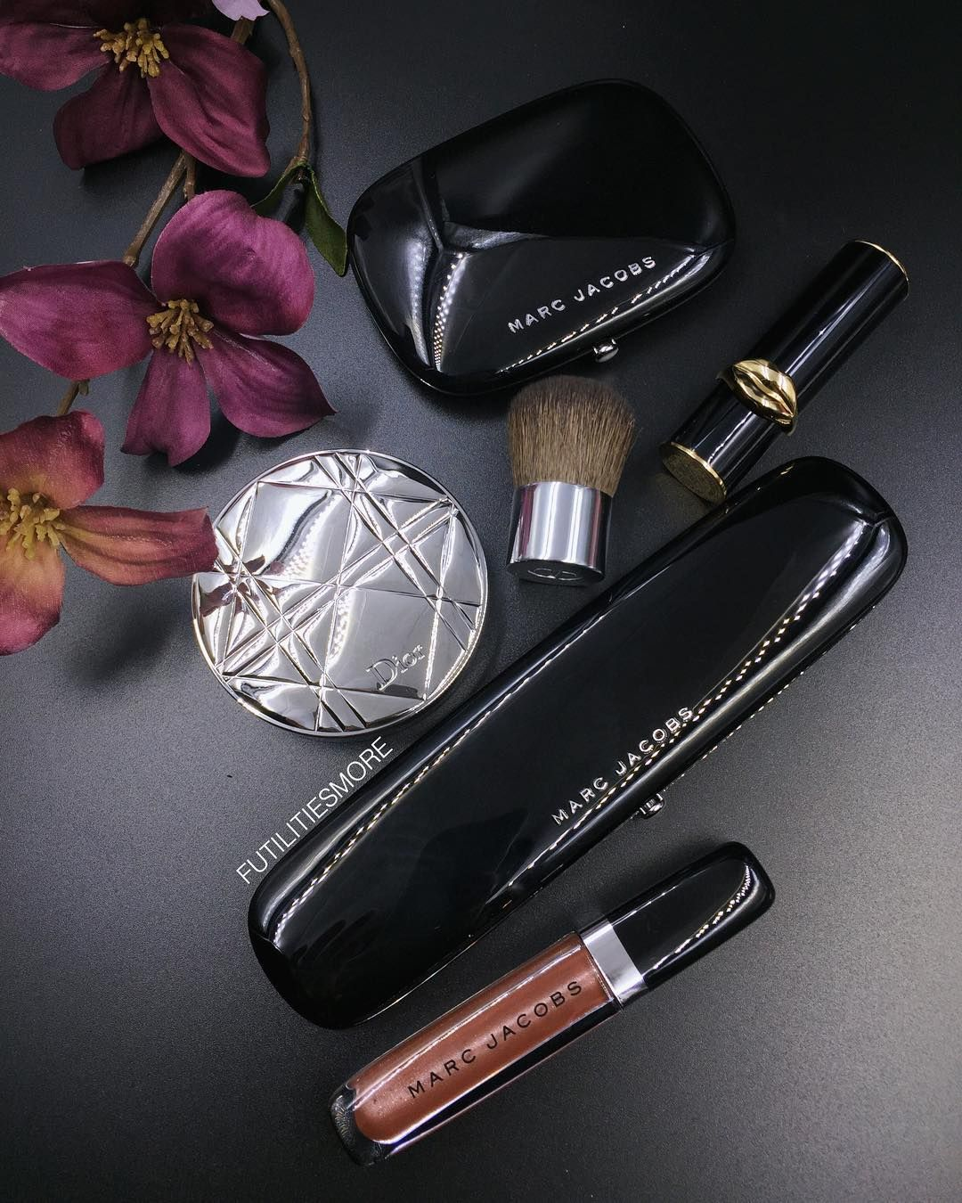 Highend makeup is so satisfying...a nice little treat to