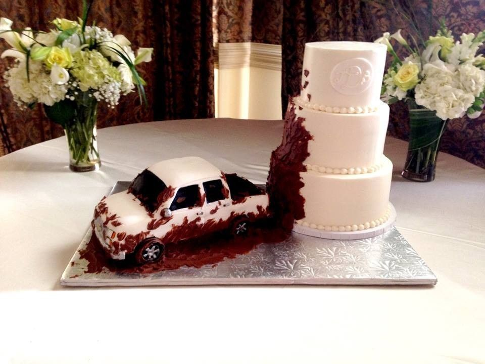 pick up truck splashing mud on the wedding cake grooms cakes simply cakes custom cakes for. Black Bedroom Furniture Sets. Home Design Ideas
