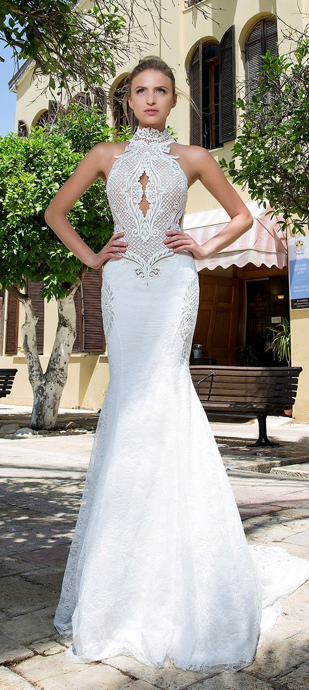 Michal medina renee s lace halter neck wedding dress fit