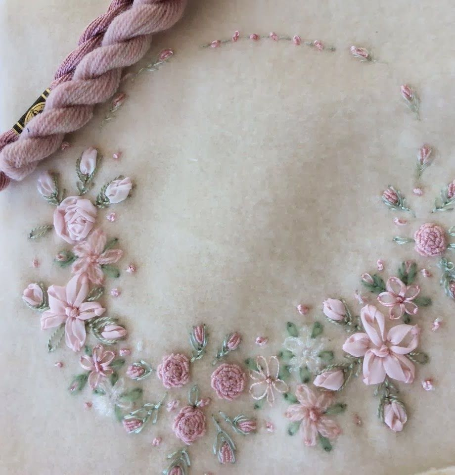 Wool embroidery.   F   Pinterest   Bordado, Cintas y Patrones de bordado