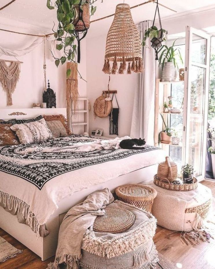 #masterbedroom #livingroomideas #livingroom #bohemianstyle #bohemianhome #cozyhome #cozylivingroom #cozydecor #homeredesign #smallspaces #organizationtips #organizationideas #modernhome #walldecor #bohobedroom #rustichomedecor #rusticbedroom