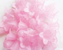 20 x Pretty Frosted Pink Acrylic/Lucite/Resin Flower Beads 18mm x 12mm, Jewellery Craft Supplies, UK Seller (OBT5010)