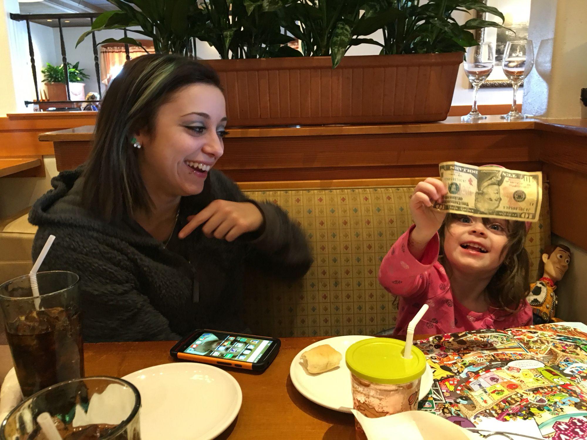 A complete stranger at Olive Garden gave my granddaughter a $10 bill ...