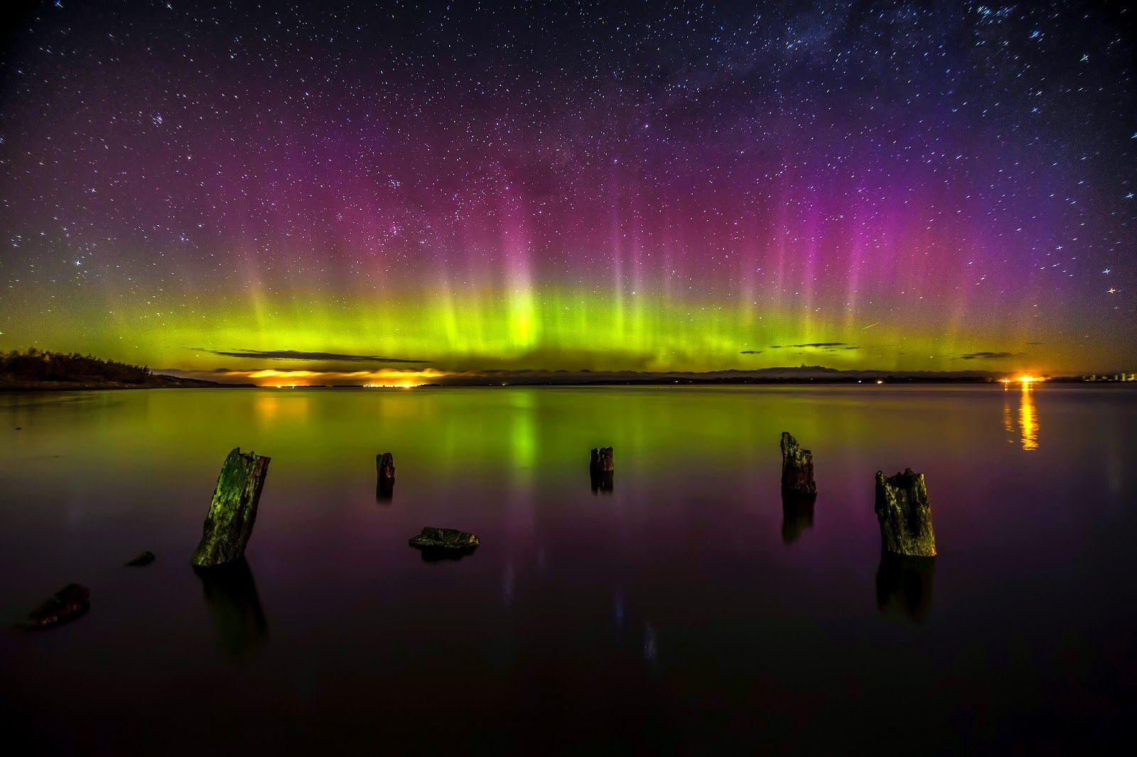 Mundo dos Documentários Online: Aurora Boreal - Aurora Fire in the Sky