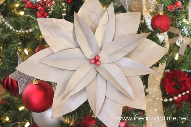 DIY Christmas Tree {Poinsettias} - Pictured Tutorial | I Heart Nap Time - Easy recipes, DIY crafts, Homemaking
